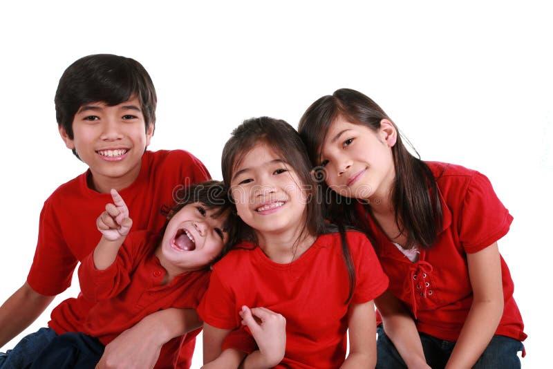 Vier Geschwister lizenzfreies stockfoto