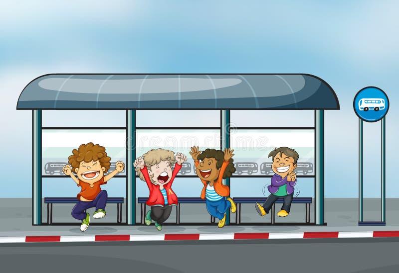 Vier glückliche Kinder an der Aufwartung verschüttet lizenzfreie abbildung
