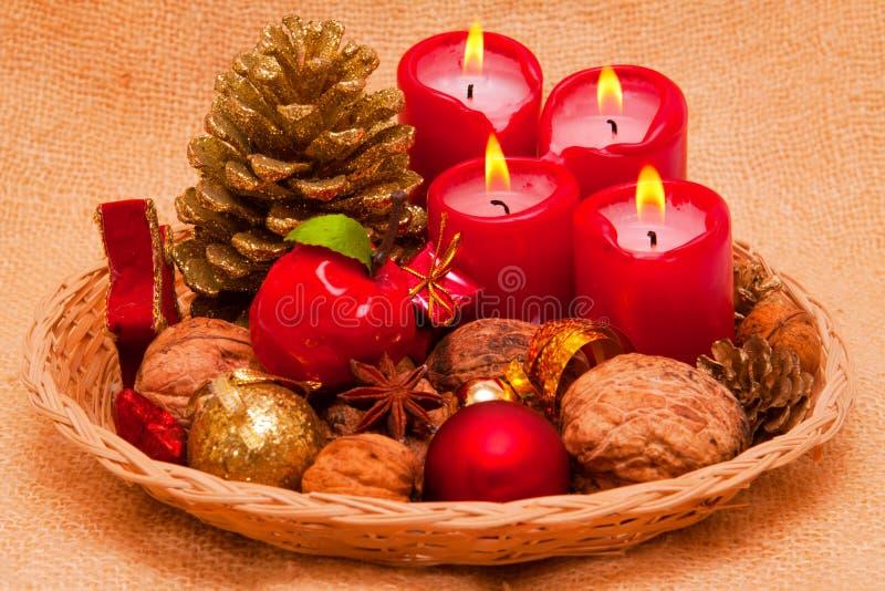 Vier rode kaarsen van de Komst. royalty-vrije stock foto
