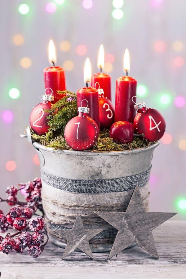 Vier rode Kerstmiskaars royalty-vrije stock afbeeldingen