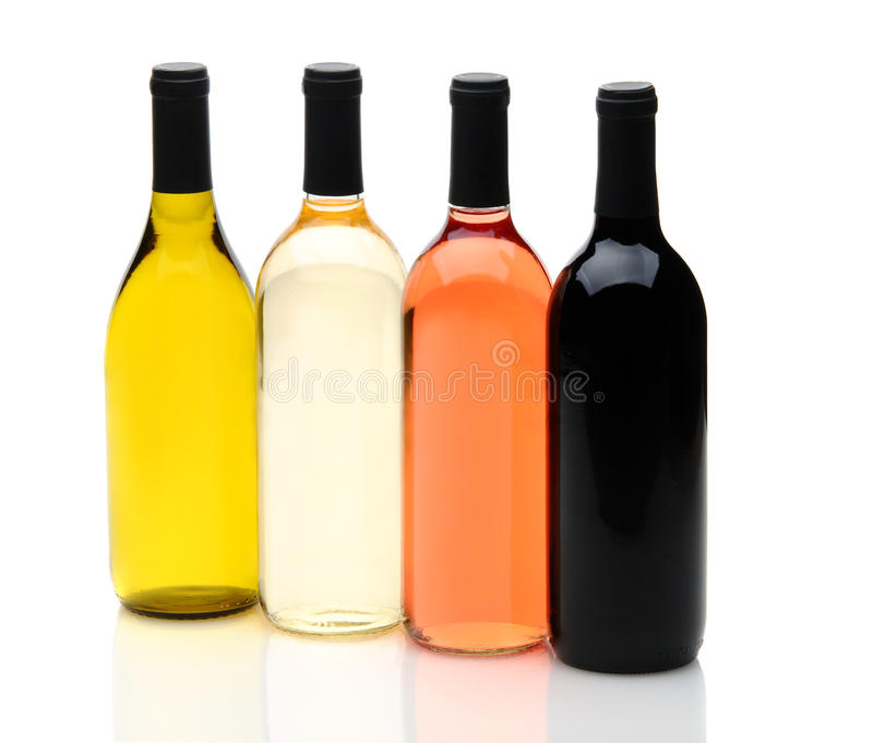 Vier verschiedene Wein-Flaschen auf Weiß lizenzfreie stockfotografie