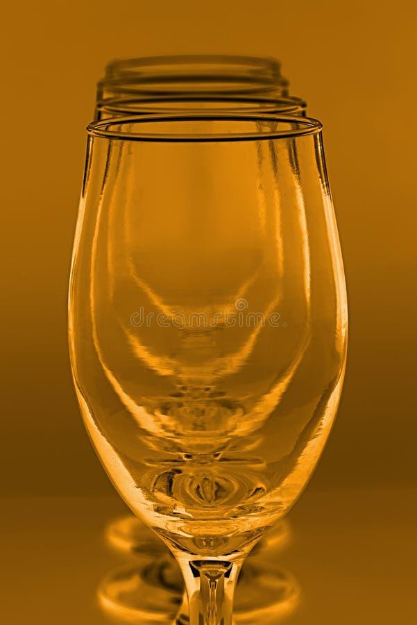 Vier wijnglazen voor witte wijn, gestemd sepia stock foto's