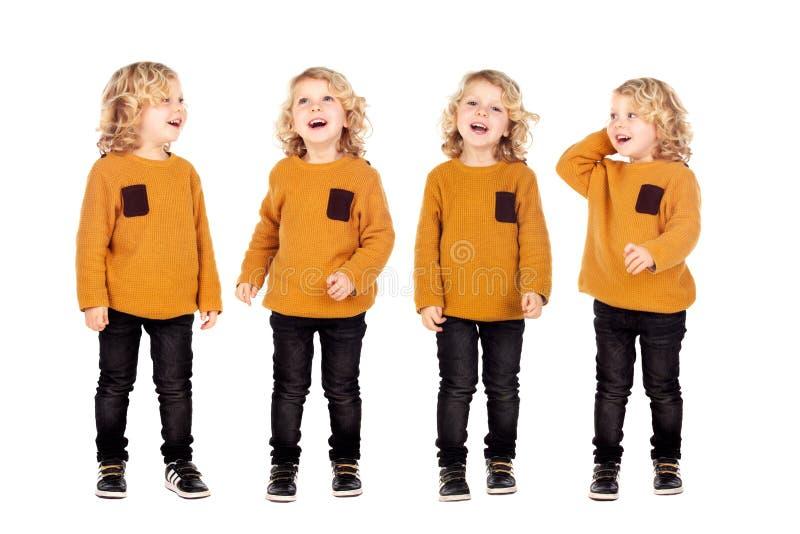 Vier zelfde broers met het blonde haar lachen stock fotografie