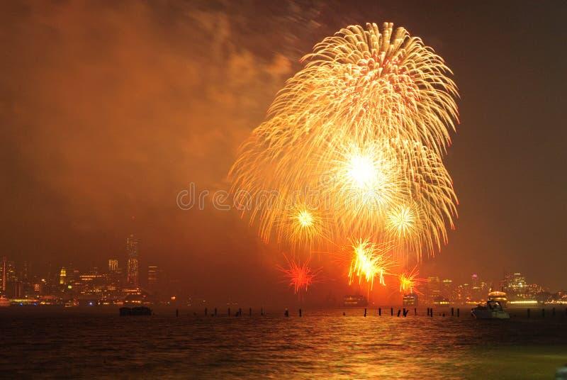 vierde van Juli-Vuurwerk in New York royalty-vrije stock afbeeldingen