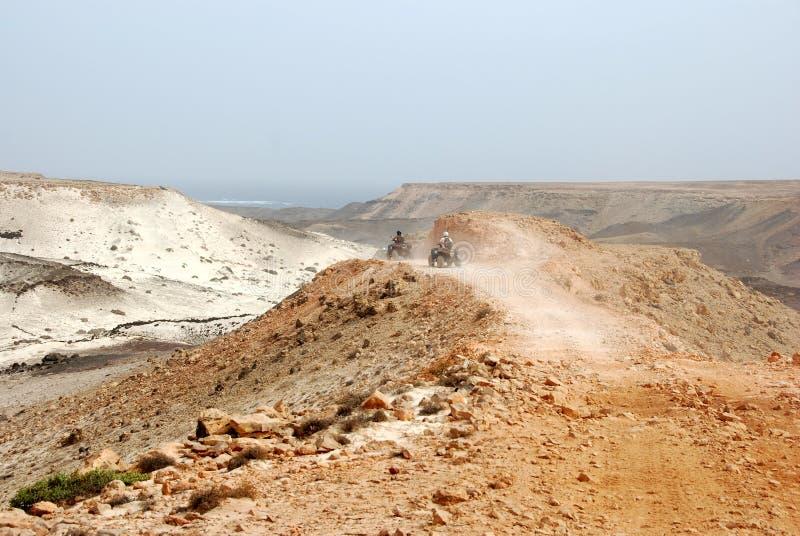 Vierfache Leitungen nahe bei Santa Maria - Salz-Insel, Kap-Verde lizenzfreie stockfotos