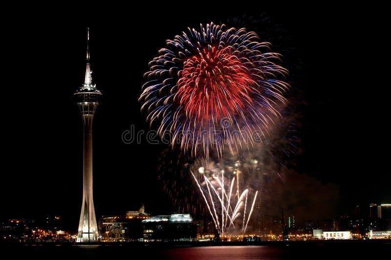 Viering van Nieuwjaar met vuurwerk royalty-vrije stock fotografie