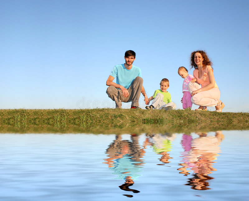 Vierköpfige Familie stockfotos