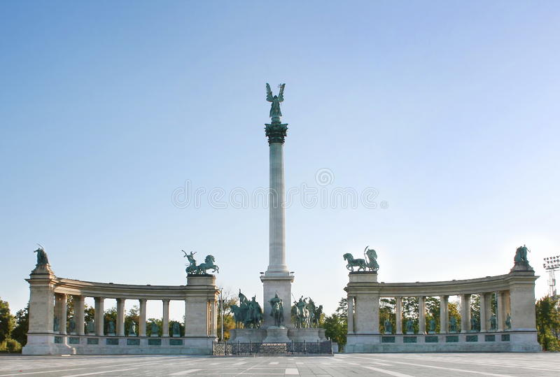 Vierkant Boedapest van de held royalty-vrije stock fotografie