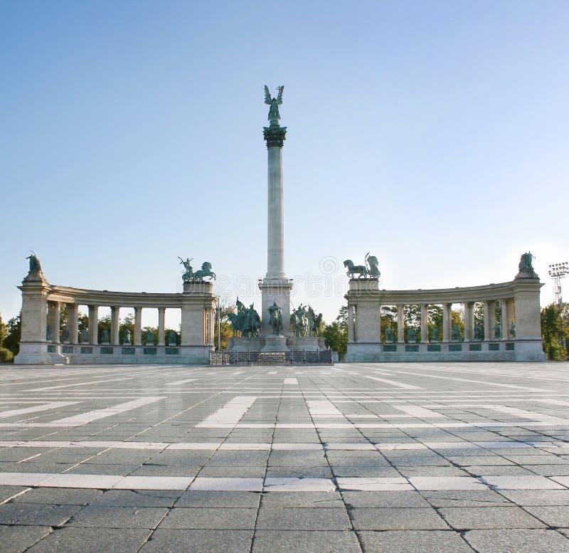 Vierkant Boedapest van de held stock foto
