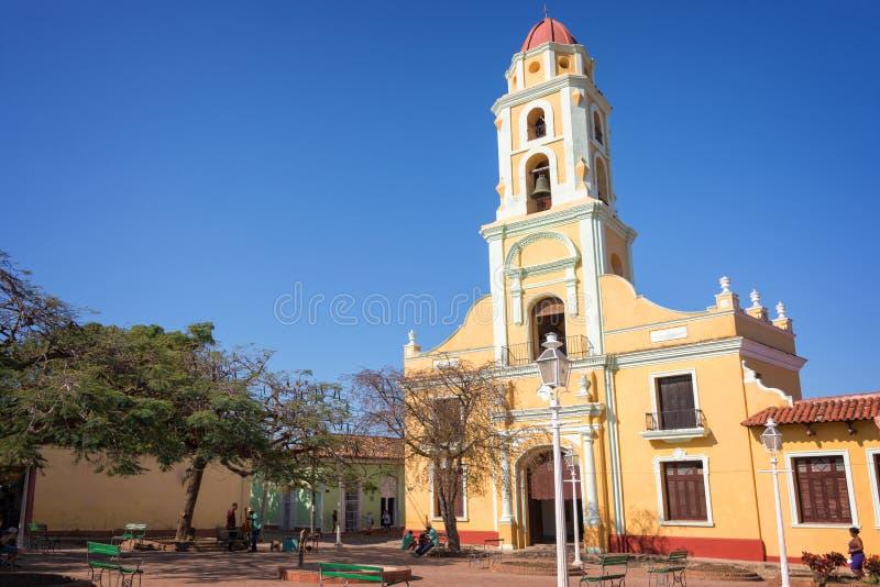 Vierkant en kerk van Heilige Francis van Assini, Trinidad Cuba stock foto's
