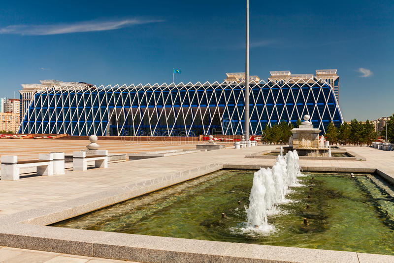 Vierkant van Onafhankelijkheid in Astana-stad stock afbeeldingen