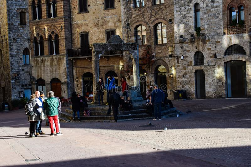 Vierkant van Toscanië, Italië en mensen royalty-vrije stock foto