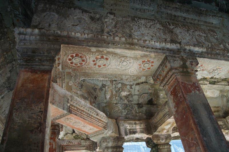 Vierkante kolommen van de binnengalerijen royalty-vrije stock foto's
