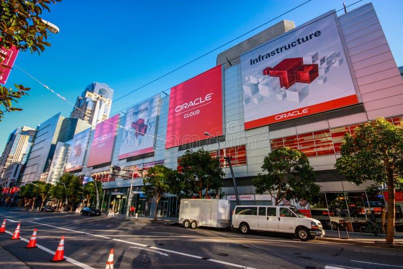 Vierte Straße am Vorabend der offenen Weltkonferenz Oracles stockfoto