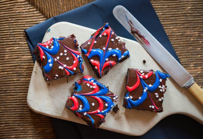 Viertel von Juli-Schokoladenkuchen lizenzfreie stockbilder