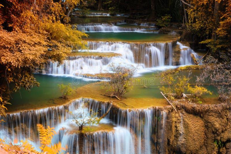 Vierter Stock huay mae kamin Wasserfalls stockbild