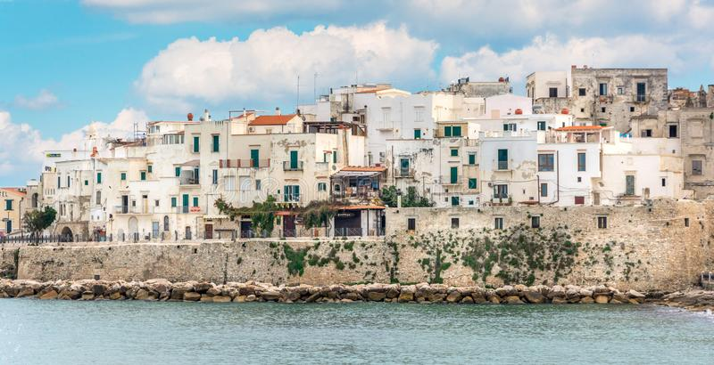 Vieste, la perle célèbre de ` du ` de Gargano dans la province de Foggia, Puglia, Italie du sud photo libre de droits