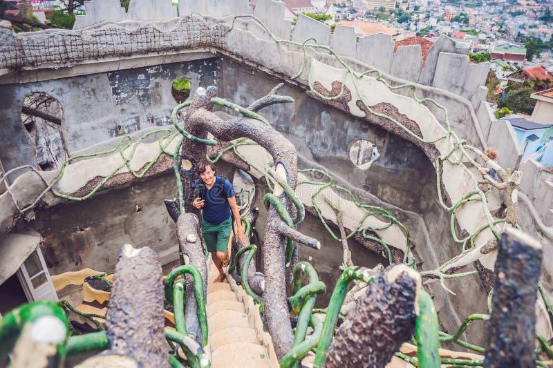 Vietnam Dalat - Maj 9, 2017: Galet hus för Dalat dragningar arkivbild