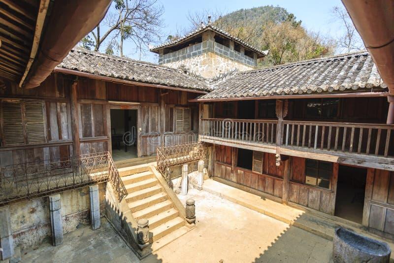 Vietnam gammalt hus arkivfoton