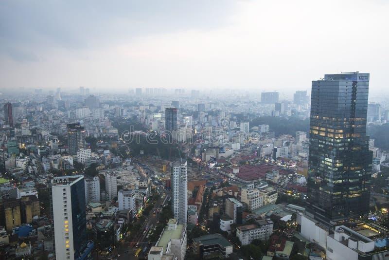 Vietnam Ho Chi Minh - December 12, 2017 - sikt av den Ho Chi Minh staden uppifrån arkivbild