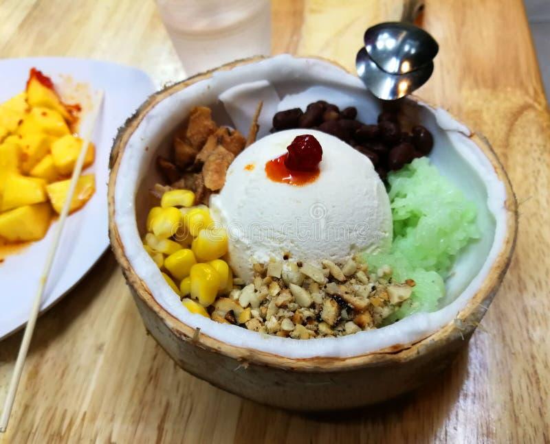 Vietnam Hue Local Dessert Vietnamese Hue's Specialties ...