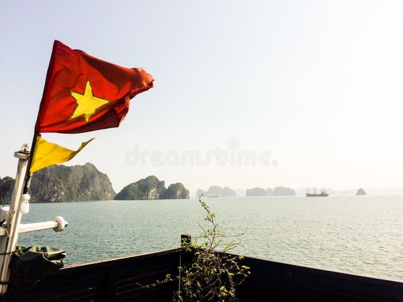 Vietnam mummel skäller länge kryssning royaltyfria foton