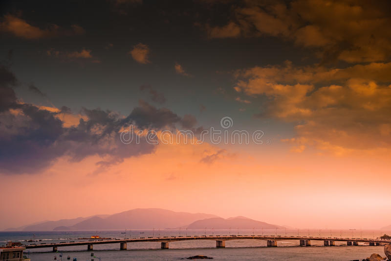 Vietnam Nha Trang Vista del río Kai y de la ciudad foto de archivo
