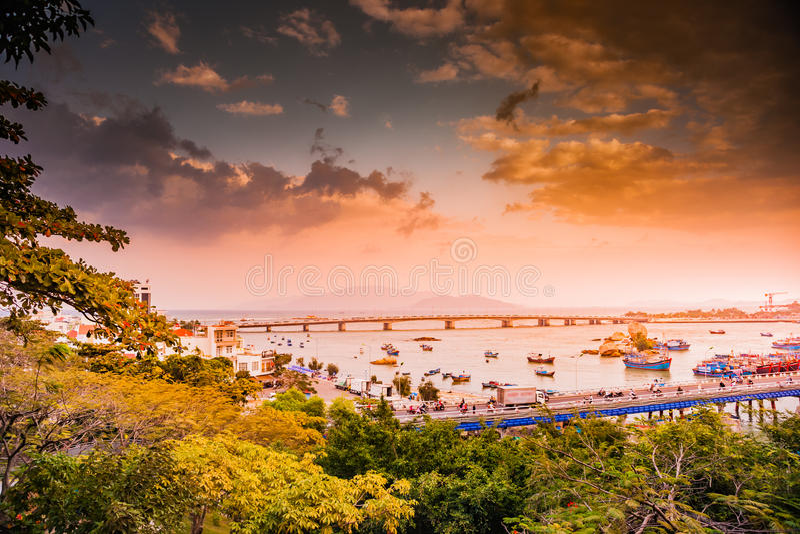 Vietnam Nha Trang Vista del río Kai y de la ciudad fotografía de archivo