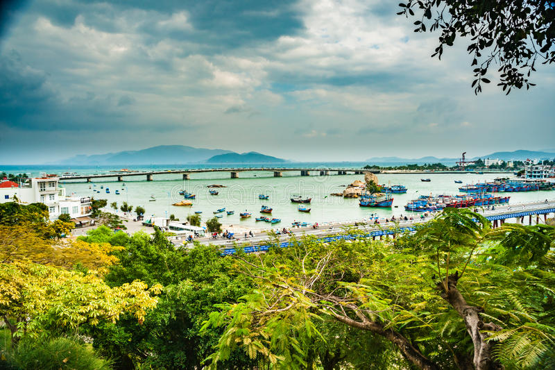 Vietnam Nha Trang Vista del río Kai y de la ciudad fotos de archivo libres de regalías