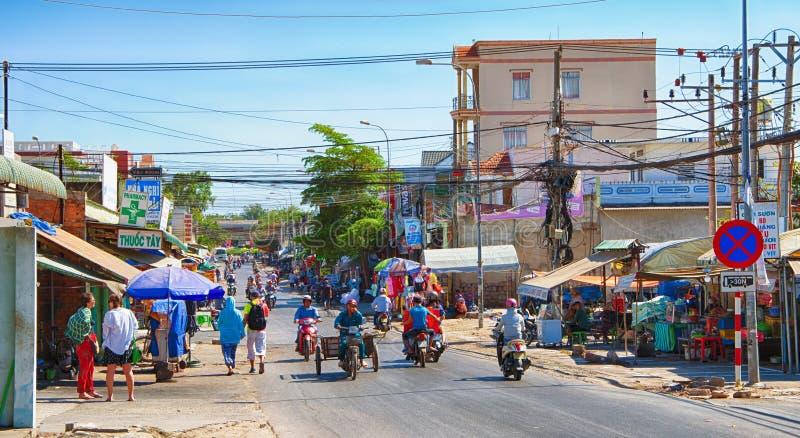 Vietnam, provincia de Binh Thuan, Phan Thiet, la calle del pueblo de Mui Ne, 01/28/2019 foto de archivo libre de regalías