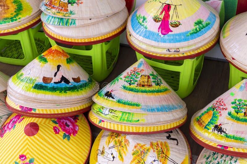 Vietnam säljs traditionella souvenir in shoppar på gamla Hanoi royaltyfria foton