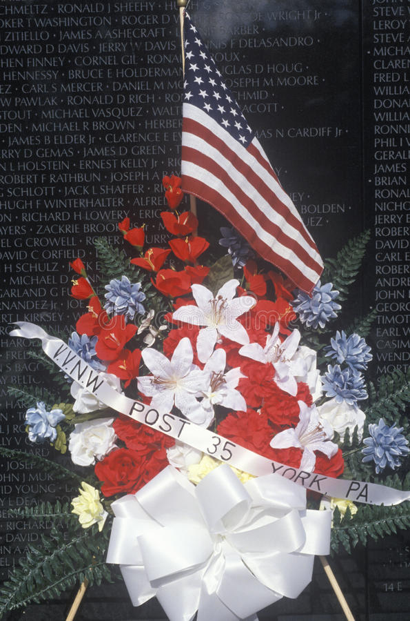 Download Vietnam Wall Memorial editorial photography. Image of flower - 26892542