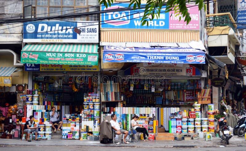 Vietname - Hanoi - junção de Hang Quat Hang Non e de Hang Hom no vietnamita idoso B e Q de Hanoi foto de stock