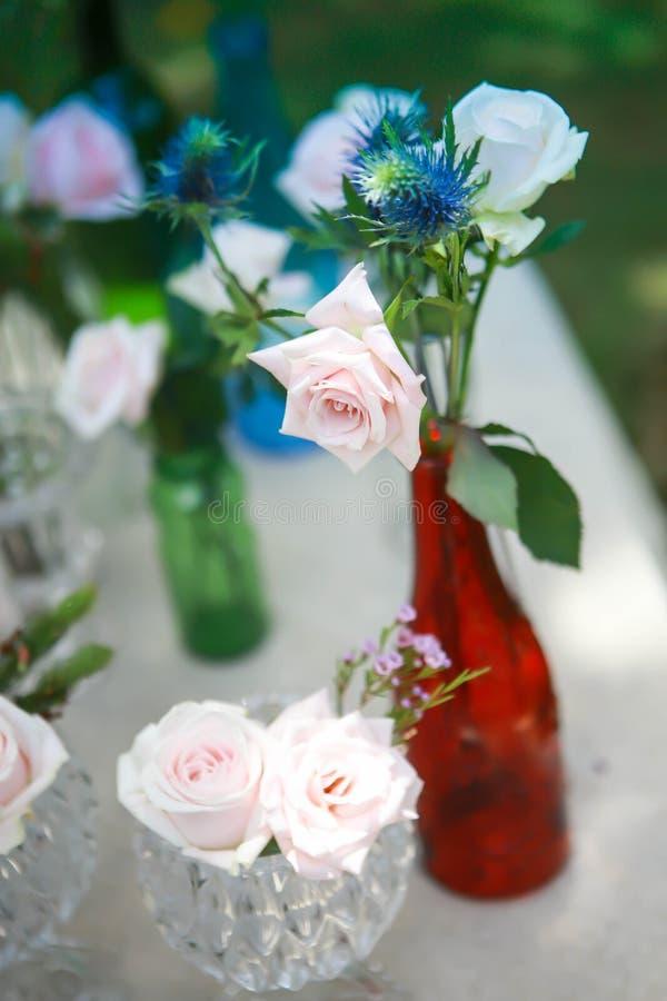Vietnamees traditioneel maannieuwjaar samen met perzikbloem MAI-bloem in Vietnamees royalty-vrije stock foto's