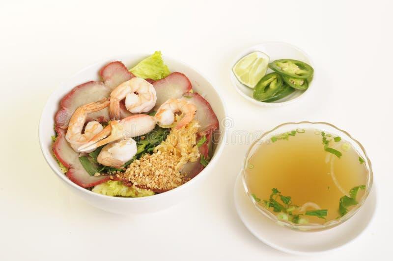 Vietnamees voedsel dat op wit wordt geïsoleerd? stock afbeeldingen