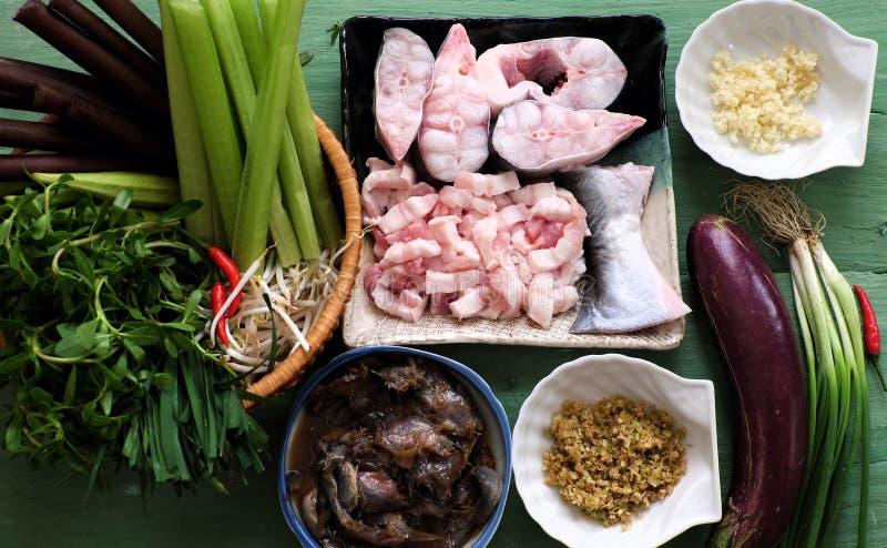 Vietnamees voedsel voor dagelijkse maaltijd, mam kho stock foto