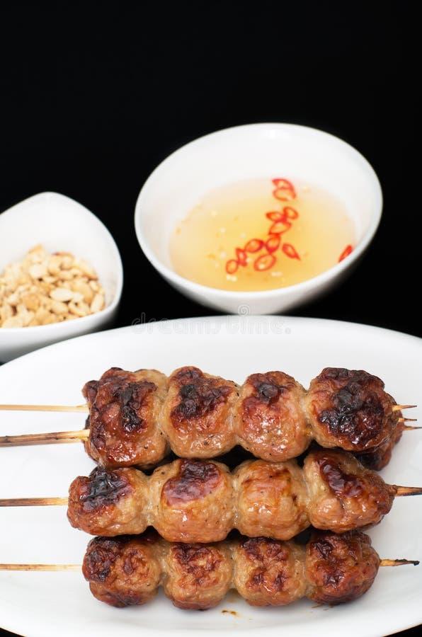 Vietnames grillade grisköttköttbullar royaltyfri bild