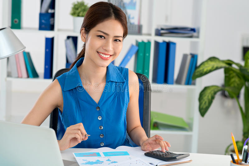 Vietnamese accountant stock afbeelding