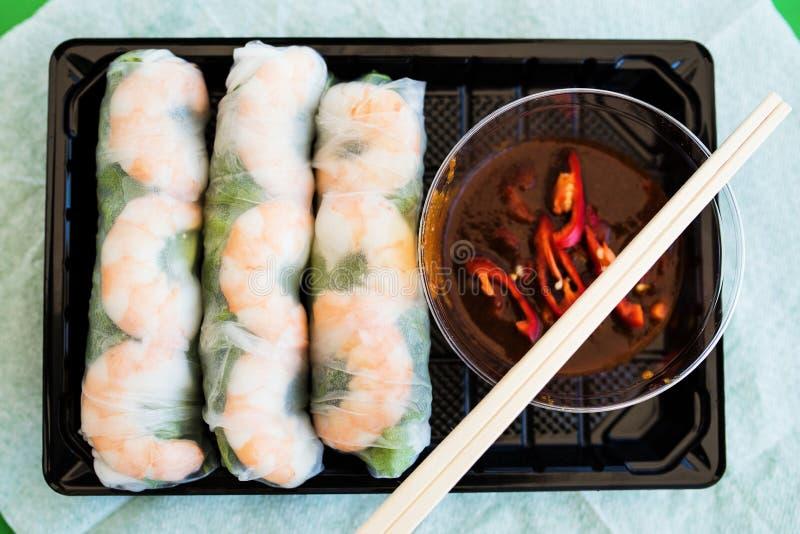 Vietnamese garnalen en aromatische kruiden verse broodjes stock afbeelding