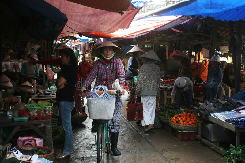 Download Vietnamese market editorial image. Image of unesco, bycicle - 14831360