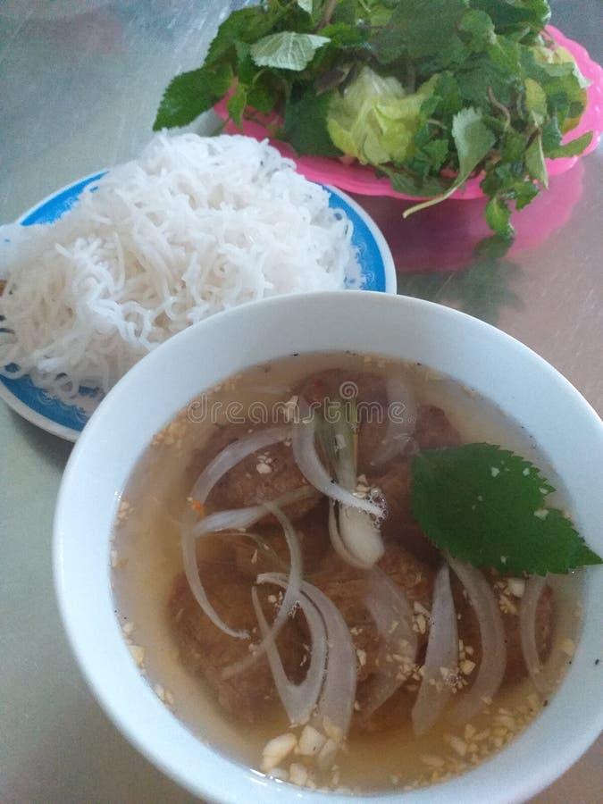 Vietnamese rijstnoedel met varkensvleesbbq royalty-vrije stock afbeelding