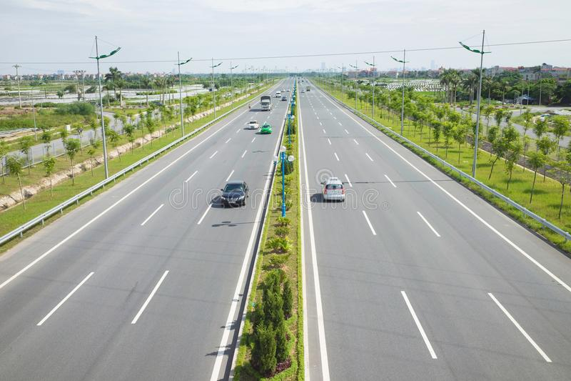Vietnamese snelweg De straat van Vonguyen giap Legendarisch Nguyen Giap wordt genoemd voor de belangrijkste moderne straat in 201 royalty-vrije stock fotografie