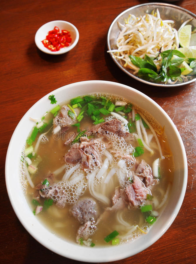 Free Vietnamese Street Food Beef Noodles Stock Photography - 14150812