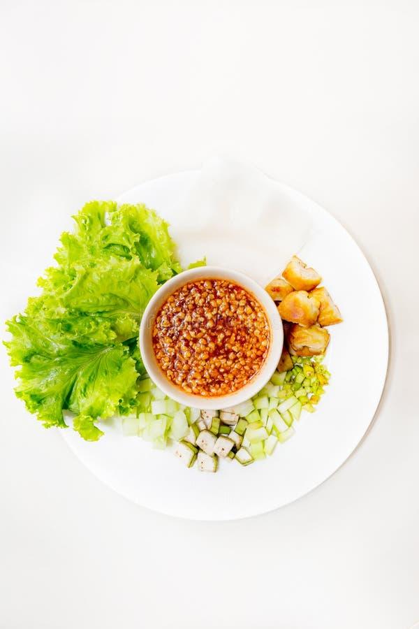 Vietnamese vleesballetjeomslagen met groenten (nam-Neaung) stock afbeelding