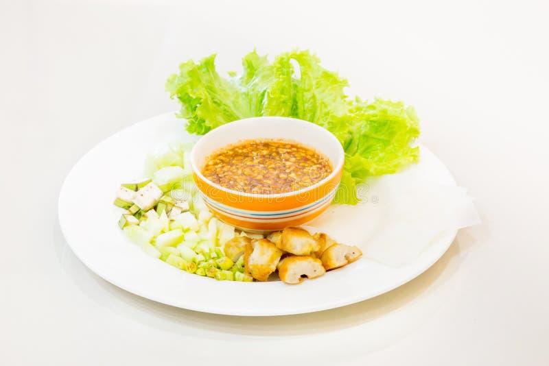 Vietnamese vleesballetjeomslagen met groenten (nam-Neaung) stock foto's