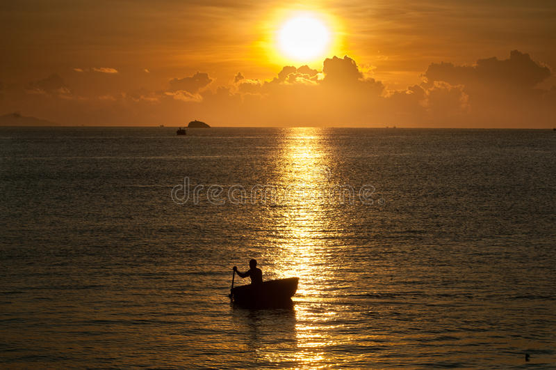 Vietnamesischer Fischer stockbild