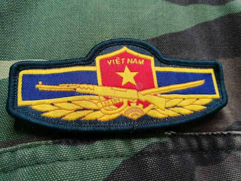 Vietnamesisk armélapp på solder& x27; s-likformig fotografering för bildbyråer