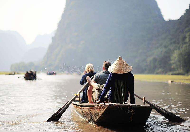 Vietnamesisk rodd arkivbild