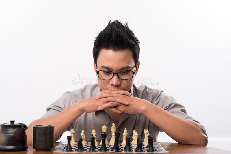 Vietnamesisk schackspelare royaltyfri foto