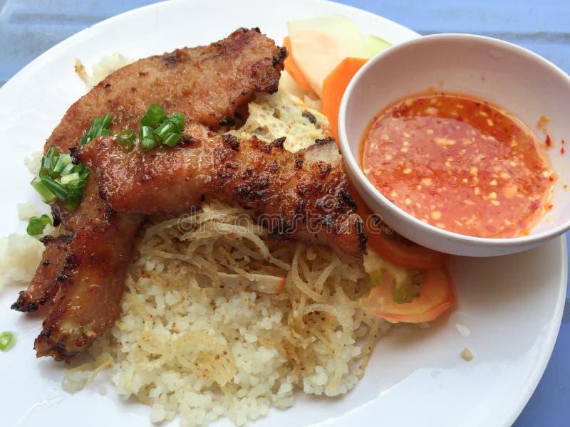 Vietnamesiska brutna ris eller Com-tam royaltyfria bilder